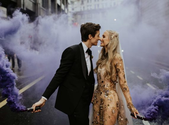 Smoke bomb photography - 2019 wedding trend